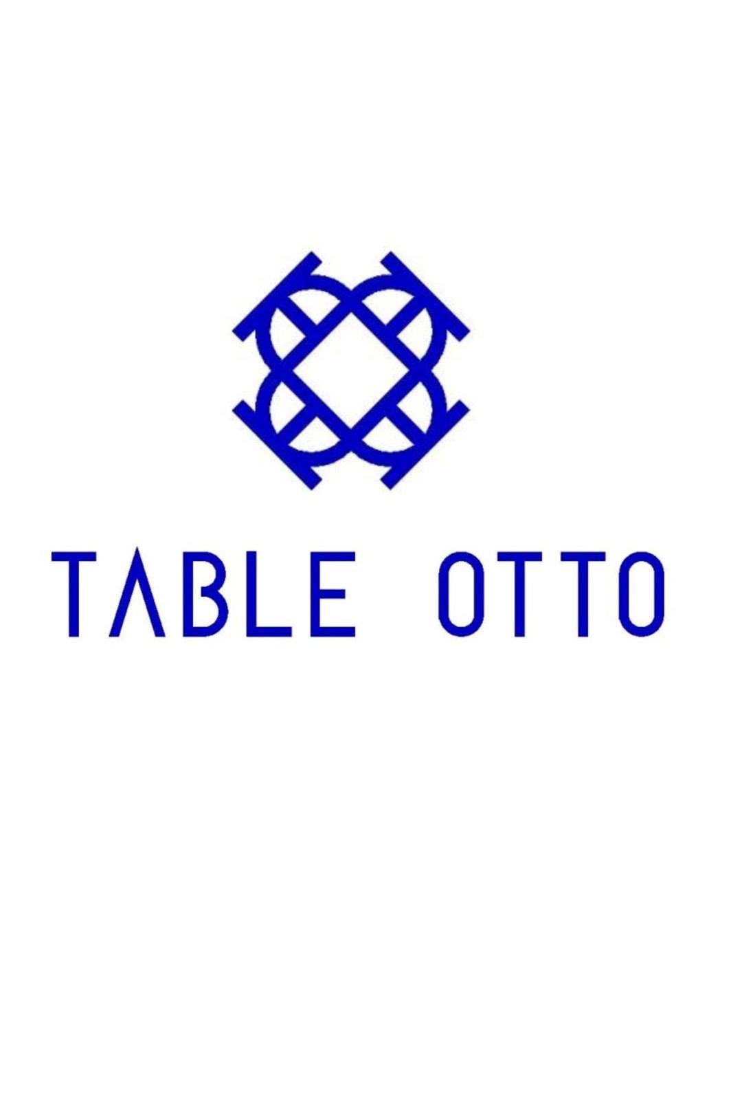 Table Otto